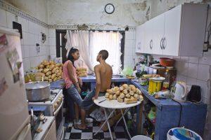 Kate_Stanworth_Moni__Juanjos_kitchen.jpg