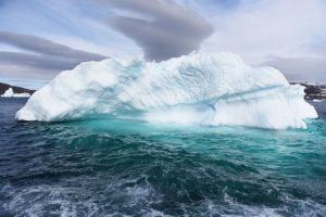 iceberginstormresizedjpega66232b6a2.jpg